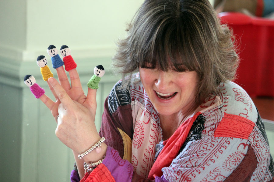 """Engaging, educational, fun and friendly! Children enjoy and grow in confidence with Helen's teaching"""